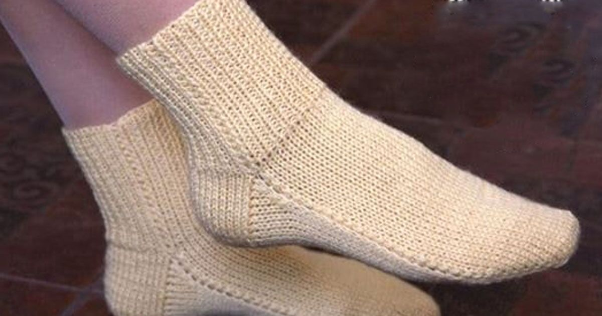 простое вязание носки на двух спицах без швов